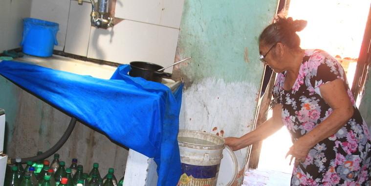 Cinquenta bairros sofrem sem água em todas  as regiões da capital