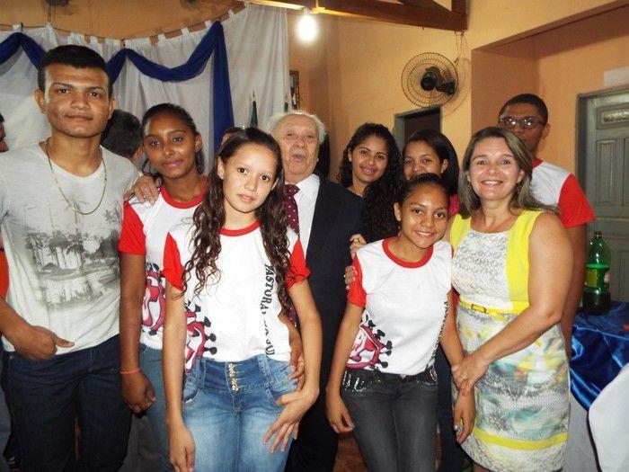 grupo de jovens da cidade