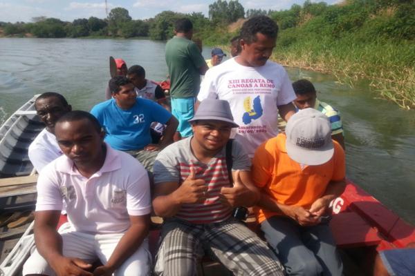 Sindicato dos pescadores realizou mais uma regata de canoas a remo