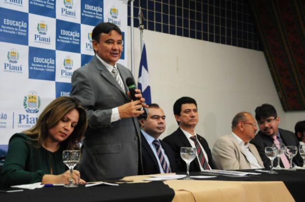 W.Dias firma acordo para liberação de R$ 30 milhões para a Educação