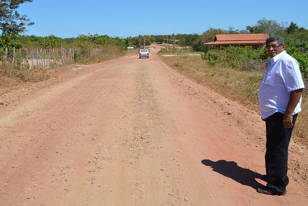 Os serviços não param e Prefeitura continua recuperando estradas na zona rural de Buriti dos Lopes