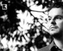 Ex- BBB15, Adrilles Jorge lança seu primeiro livro de poesias