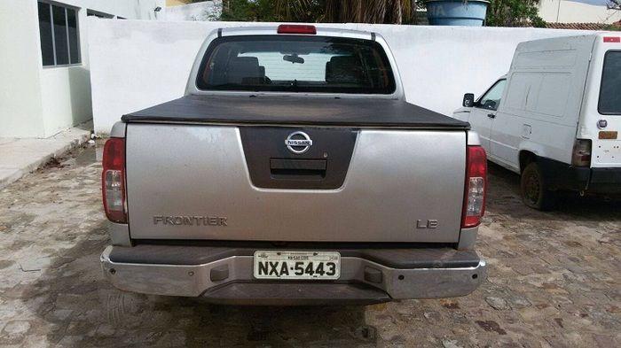 Nissan Frontier de placa NXA-5443, apreendida com o casal em Campo Maior