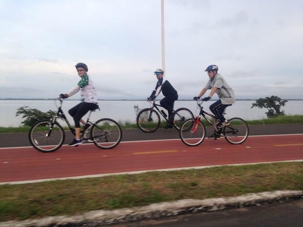 Dilma pedala em porto alegre (Crédito: Reprodução)
