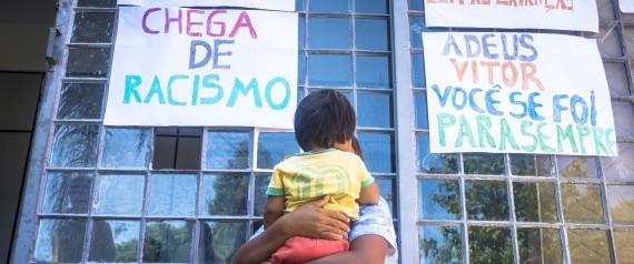 Manifestação após a morte de Vitor (Crédito: Reprodução)