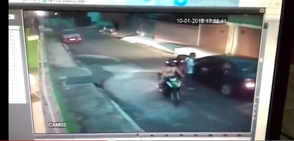 Casal em moto rende duas pessoas e rouba carro no bairro Bela Vista