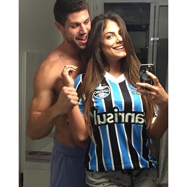 Jonas e Mari Gonzalez; namoro segue firme (Crédito: reprodução/ Instagram)
