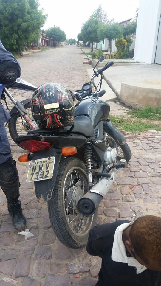 Motocicleta encontrada com acusados (Crédito: Plantão Policial Piauí)