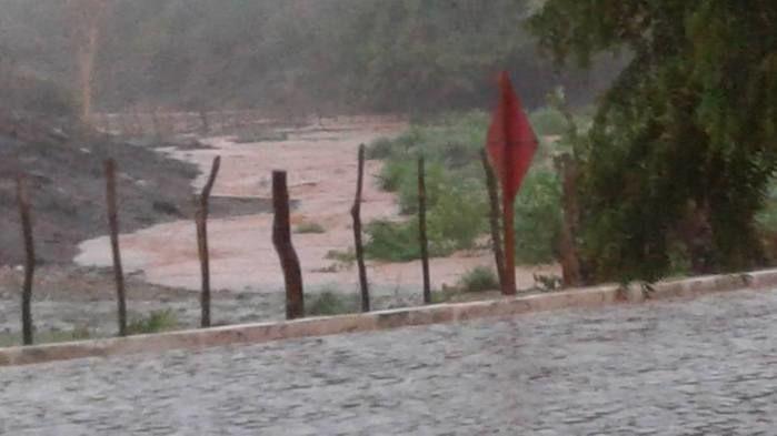 Forte chuva atinge Cajazeiras do Piaui (Crédito: Imagens de Redes Sociais)