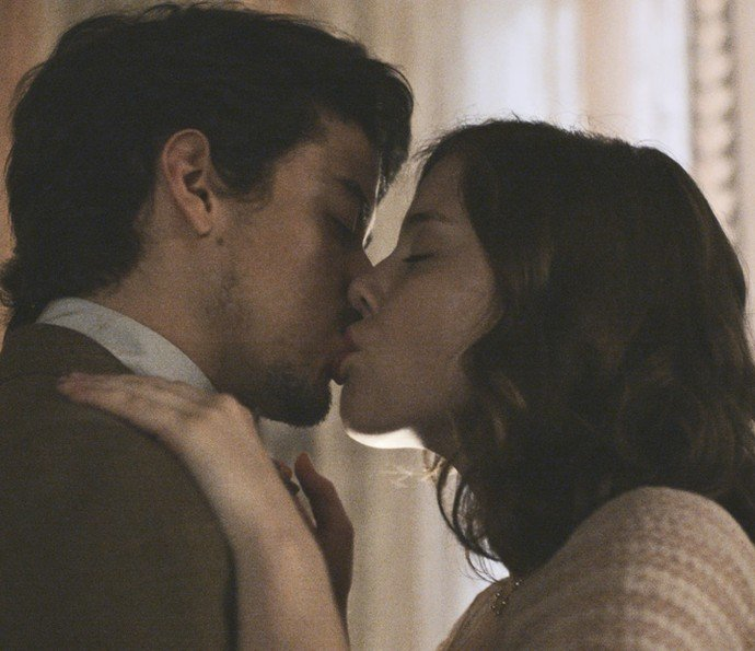 Cecília se entrega e tem noite de amor com Felipe  (Crédito: Divulgação Gshow)