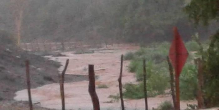 Forte chuva atinge Cajazeiras durante esta tarde de Quarta - Feira