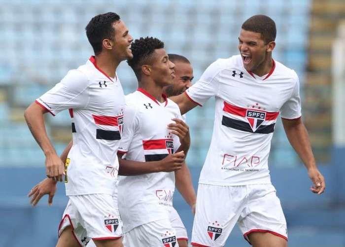 São Paulo venceu o  Figueirense (Crédito: Lance)