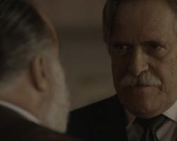 Furioso, Gibson dá um tapa em  Zé Maria e ameaça Romero de morte