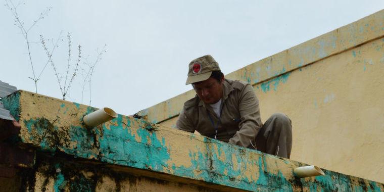 Imóveis abandonados são fiscalizados em busca de focos da dengue