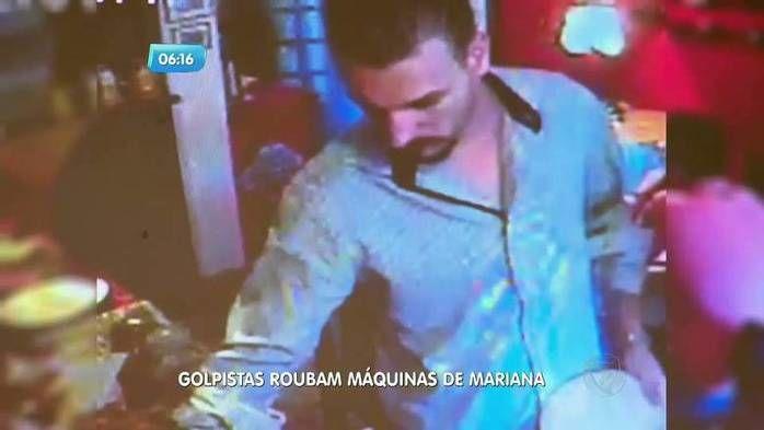 Golpistas foram flagrados por câmeras de segurança (Crédito: Reprodução)