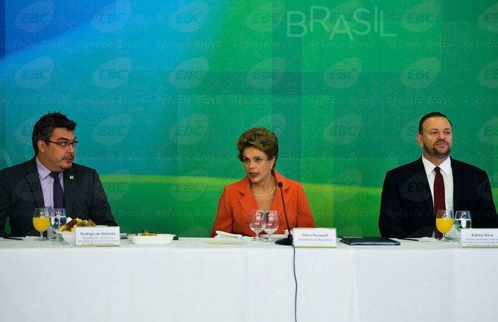 Dilma durante café da manhã (Crédito: Agência Brasil )