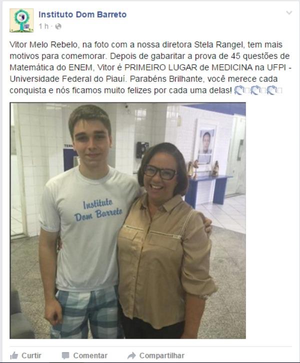Vitor Melo ao lado da diretora Stela Rangel, do Instituo Dom Barreto