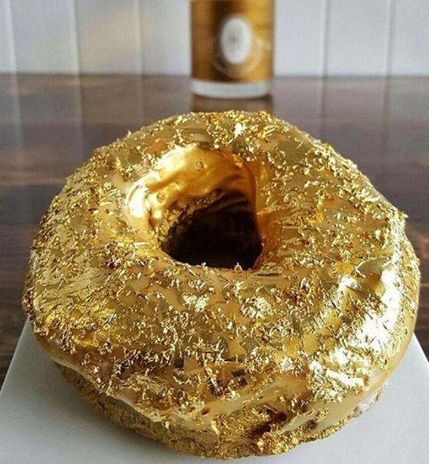 Restaurante de NY criou donut coberto com ouro 24 quilates (Crédito: Reprodução)