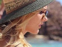Xuxa posta foto da filha Sasha curtindo férias em praia: 'Te amo'