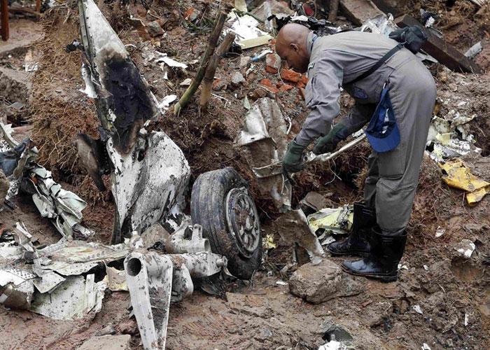Destroços do avião  (Crédito: G1)