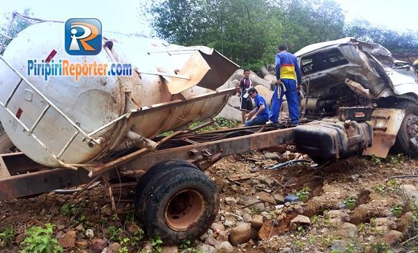 Motorista ficou ferido após acidente (Crédito: Reprodução)