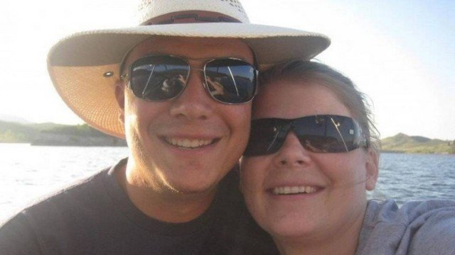 Tony Schmucker e sua esposa  (Crédito: Arquivo Pessoal )