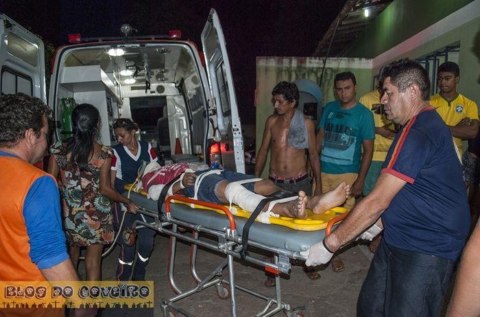 Motociclista fica ferido em acidente (Crédito: Blog do Coveiro)