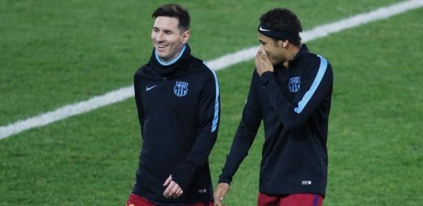 Messi ao lado de Neymar