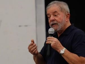 Luiz Inácio Lula da Silva  faz exâmes em São Paulo