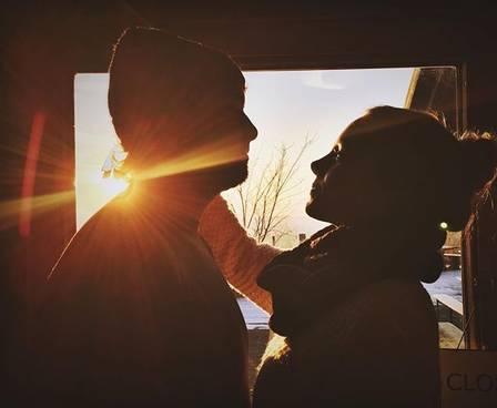 Olin viajou com namorada para Alemanha (Crédito: Instagram )