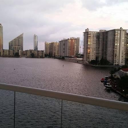 Vista do apartamento milionário de Zilu em Miami   (Crédito: Reprodução/ Instagram)
