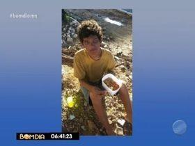Família encontra garoto que ficou 2 dias em canteiro na Miguel Rosa