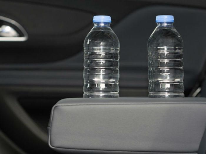 Garrafa de água no carro (Crédito: Divulgação)