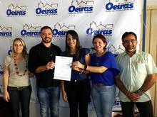 Aprovados em concurso público de Oeiras assumem cargos
