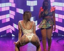 Kelly Key faz coreografia ousada em show da Anitta e exibe corpão