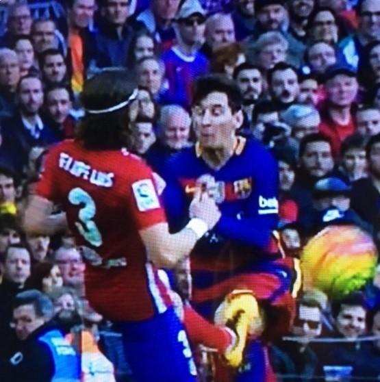 Filipe Luis faz falta forte em Messi (Crédito: Reprodução)