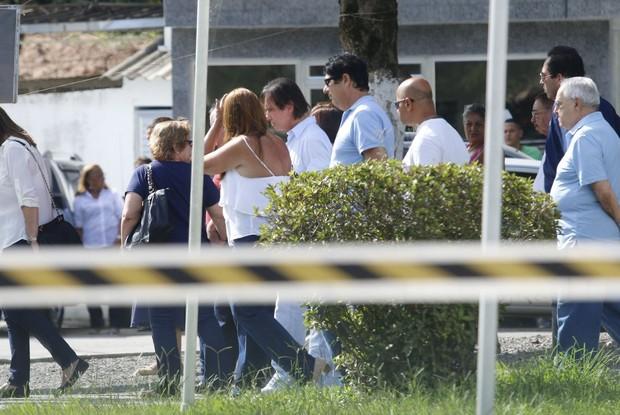 Sobrinha de Roberto Carlos morre e é enterrada no Rio  (Crédito: Ag news)