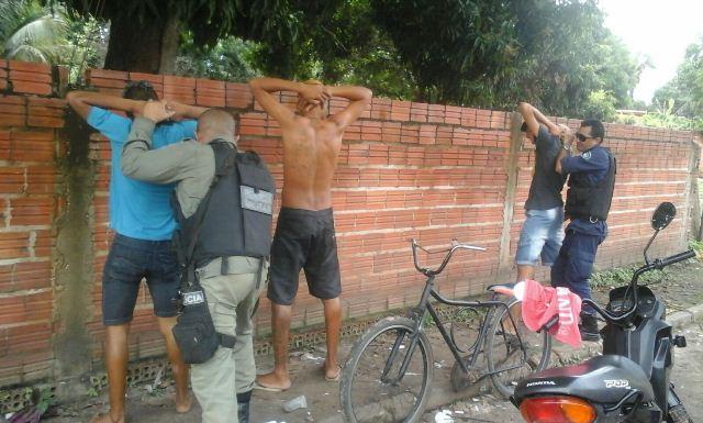 Prisão de suspeitos (Crédito: Divulgação)