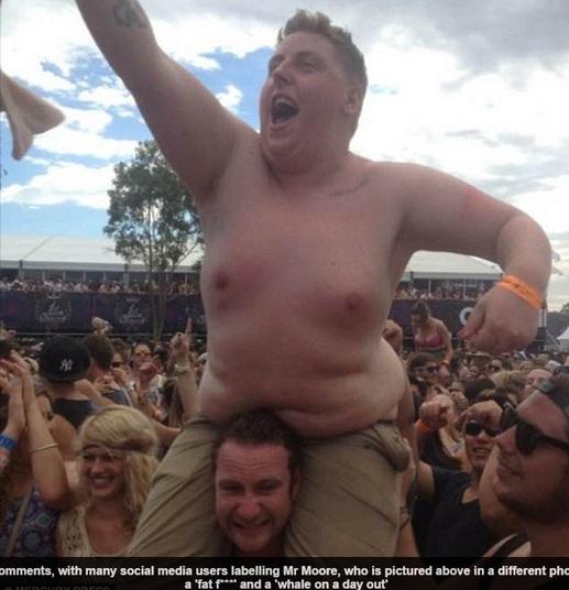 Jovem obeso perde 44 kg após foto cair ser piada nas redes sociais (Crédito: Divulgação)