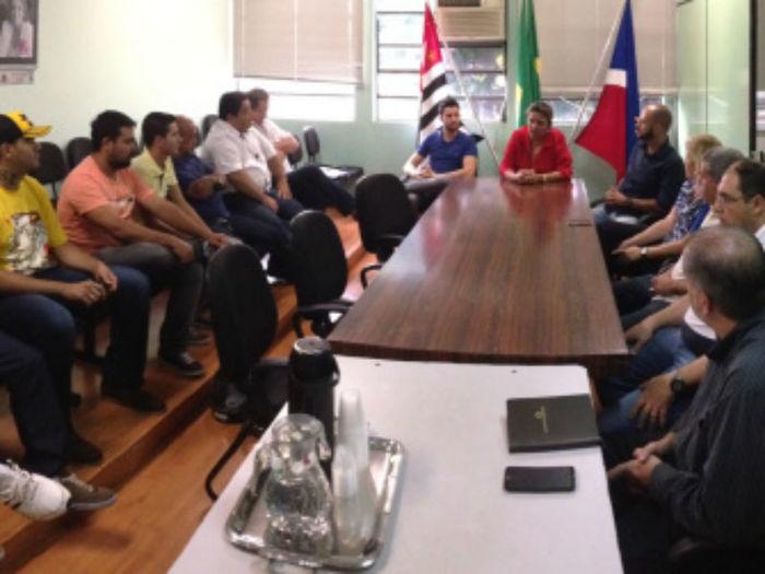 Reunião na prefeitura  (Crédito: Divulgação )