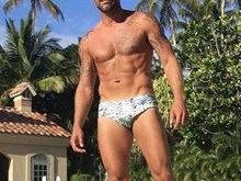 Aos 44 anos, Ricky Martin exibe corpão e ganha elogio de seguidores
