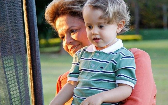 Presidente e seu primeiro neto (Crédito: Reprodução)