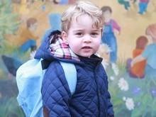 Príncipe George é fotografado em primeiro dia de aula