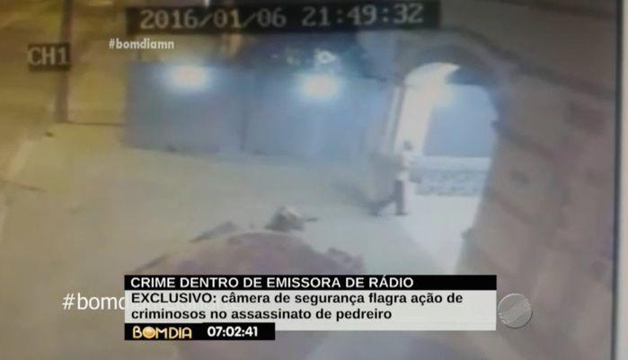 Operador de áudio entra no local com medo dos bandidos (Crédito: Reprodução/TV Meio Norte)