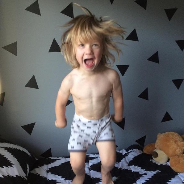 Corpo do menino já é bastante dividido (Crédito: Reprodução)