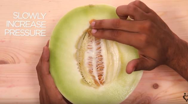 Vídeo ensina como masturbar mulheres (Crédito: Reprodução)
