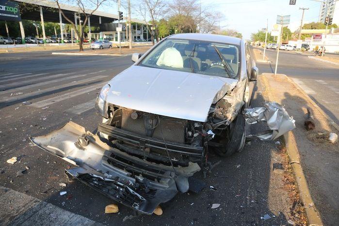 Motorista embriagado provoca acidente e deixa 4 pessoas feridas (Crédito: Efrém Ribeiro)