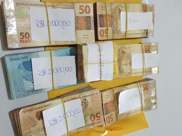 Polícia Federal prende candidato a prefeito com quase R$ 12 mil (Crédito: Reprodução)