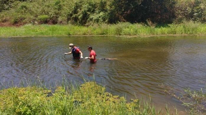 Resgate do corpo no Rio Itaim (Crédito: Picos 40 Graus)
