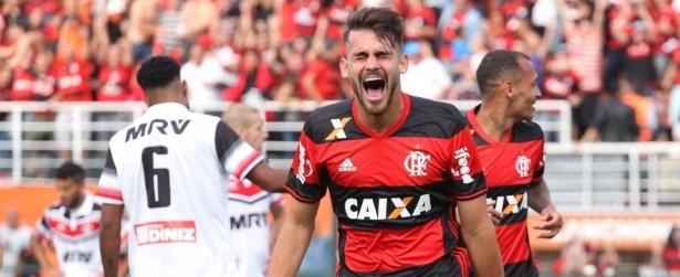 Flamengo derrota o Santa Cruz e mantém perseguição ao líder